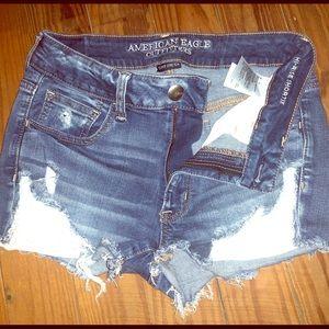 CUTE American Eagle Outfitters hi rise shorts